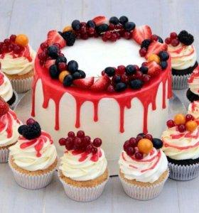 Торты и капкейки с фруктами и шоколадом