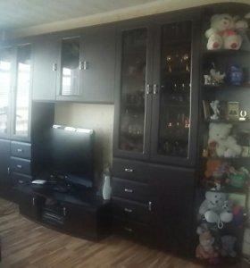 Продается стенка в гостинную и шкафы!!!