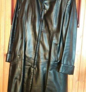 Пальто к/з 48 размер