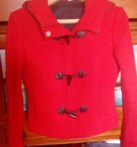 Короткое пальто H&M с капюшоном