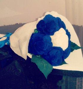 Букеты и розы из гафрированной бумаги на заказ