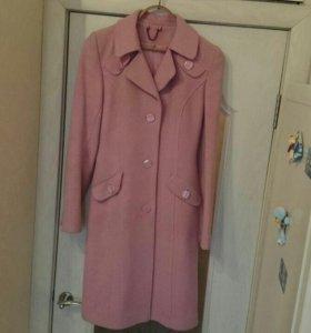 Демисезонные розовое пальто