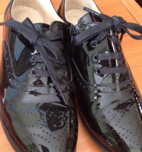 Лакированный туфли