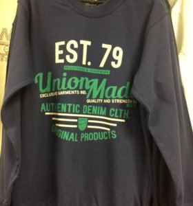 Подростковые футболки с длинным рукавом.