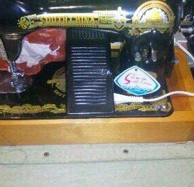 Швейная машинка с электроприводом ножным
