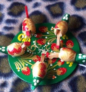 Клюющие курочки игрушка деревянная