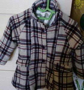 Пальто весеннее для девочки на 2-3 года