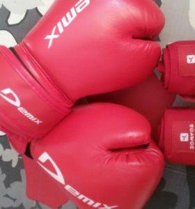 Перчатки и бинты для бокса