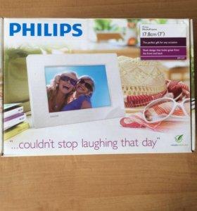 Цифровая фоторамка Philips SPF1327