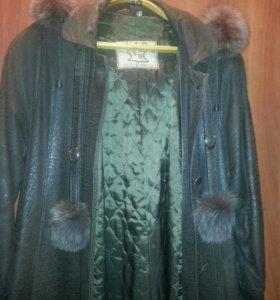 Кожаный плащ-пальто