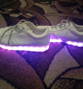 Светодиодные кроссовки(40-42)