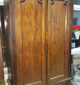 Старинный Платяной шкаф