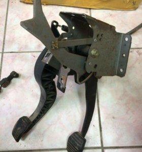 Педаль тормоза газа Форд Мондео 3 1365755