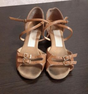 Туфли для занятий танцами
