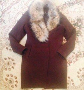 Пальто зимние с натуральным мехом на подкладке