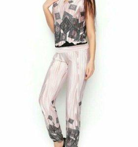 Костюм: брюки + блуза