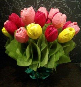 Цветы из гофр.бумаги с конфетами.