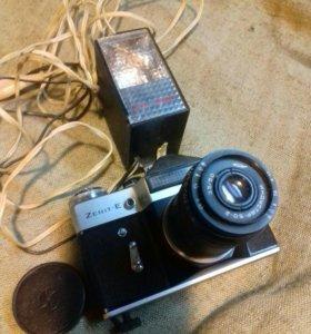 фотоаппарат со вспышкой