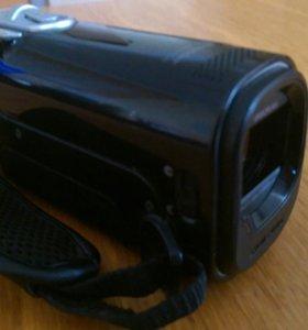 Видеокамеру Samsung