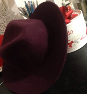 Шляпа от Zara