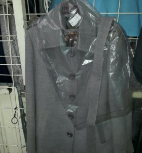 Пальто 46 размер новое
