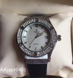 Часы женские (кварцевые)