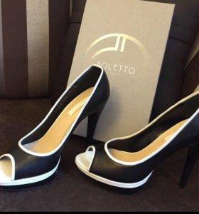 Новые кожаные туфли Poletto