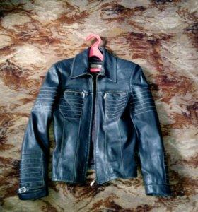 Куртка- натуральная кожа