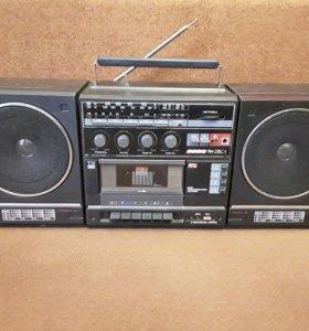 """Стереомагнитола""""ВЕГА РМ-235С-1"""" 1991год.+60кассет."""