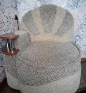 Кресло, тумба под ТВ