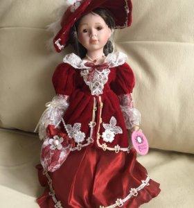 Новая фарфоровая кукла