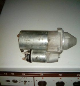 Стартер на инжекторный двигатель ВАЗ 2107.