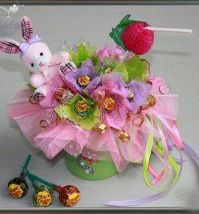 Букет из конфет. Подарок для детей.