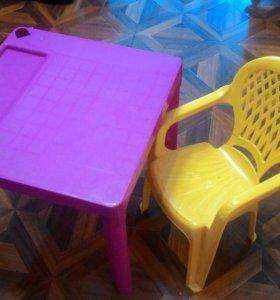Детский стол и стул (пластик)