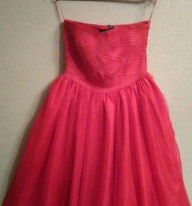 Платье , очень красивое,на выпускной