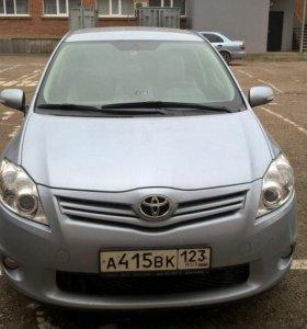 Toyota Auris 1,6. 2011 года