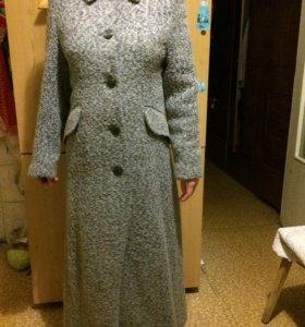 Пальто 40-42 размера