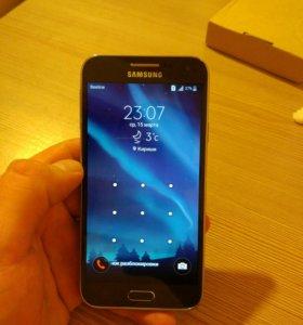 Телефон Samsung E5 Duos