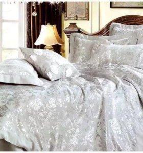 Новое постельное белье со стразами и кружевом