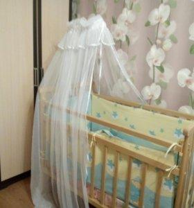Детская кроватка+ полный комплект в нее