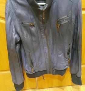 Куртка женская кожанная 42р