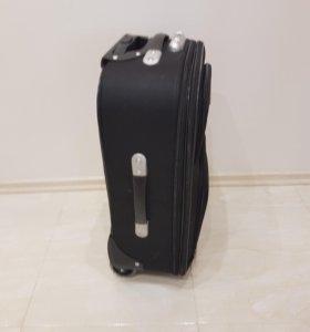 Продам новый чемодан на колёсах