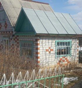 Продам земельный участок с домом.