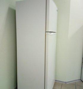 Продам большой холодильник Ocean, No Frost