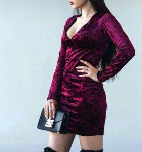 Платье красивое бархат (s)