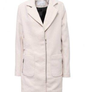 Новое весенне-осеннее пальто