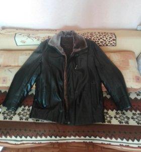 Продаю срочно! Кожаная куртка. Торг уместен.