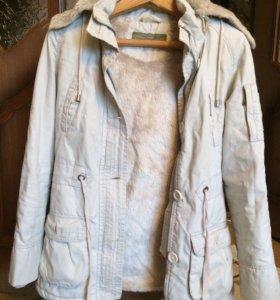 Куртка Colin's весенняя(размер М,маломерка)