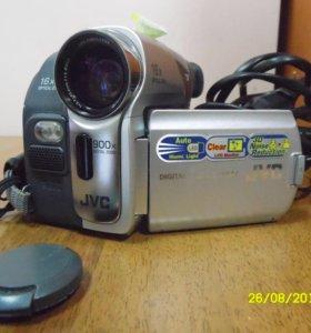 Видеокамера JVC GR-D33ER