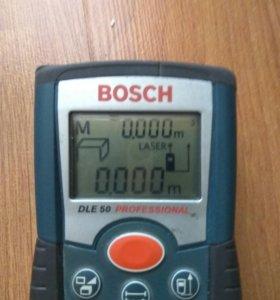 Лазерный дальномер Bosch dle50